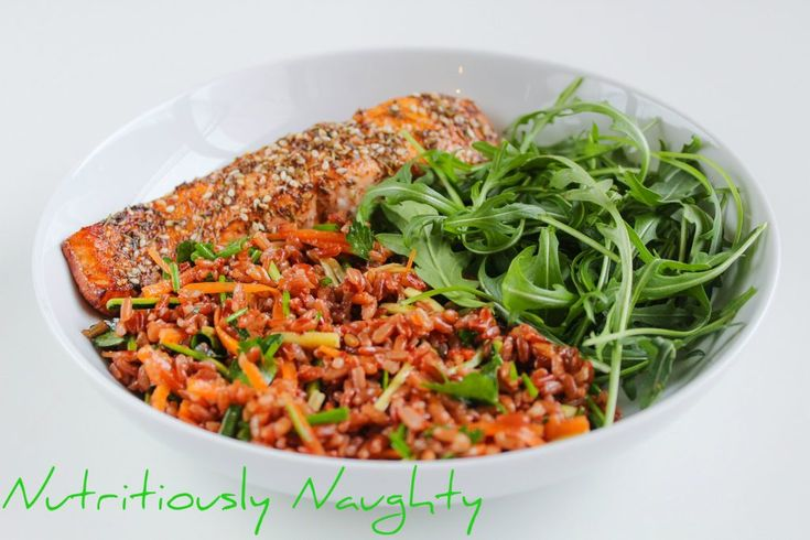 This low FODMAP za'htar salmon & red rice salad I created for Organico is really simple to make but so full of flavour! It's also gluten & dairy free!