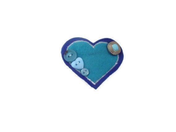 Heart shaped felt brooch with buttons. Handmade in by Fabrilushus, £4.50