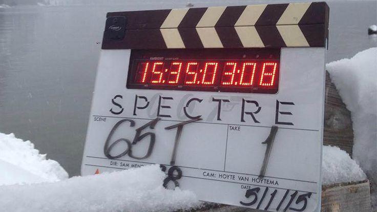 James Bond ist in der österreichischen Steiermark angekommen und schickt sogleich ein neues Foto vom Set am Altaussee an seine Fans.