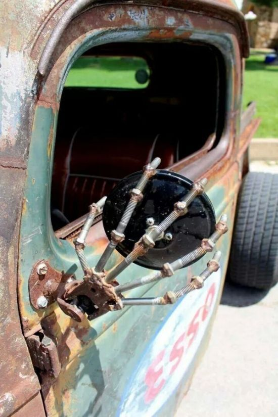 The BEST side mirror for a rat!