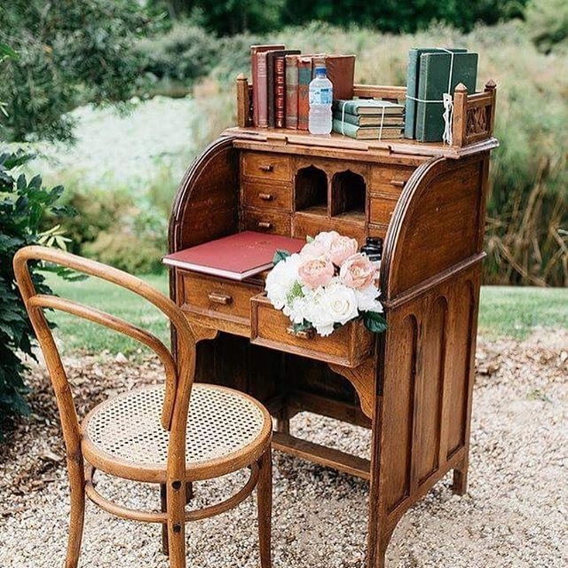 Our #oneofakind Vintage Roll Top Signing Desk 😍 📸 by @woodlandscreative #cassyandben2016