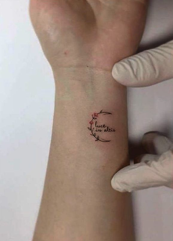 60 Small Tattoo Designs With Very Powerful Meanings Feminatalk 60 Small Tat 60 Small Tattoo Desi In 2020 Small Tattoos Small Wrist Tattoos Small Tattoo Designs