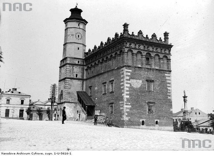 Sandomierz (heavily damaged during the WW1, reconstructed)