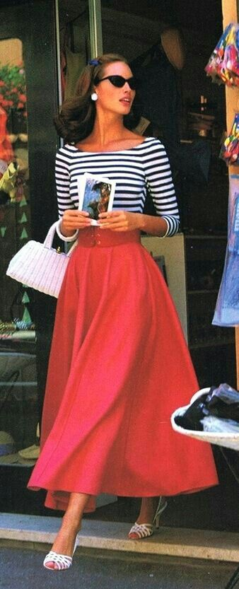 Breton top + full red skirt = ultimate glamour. I want to throw on this outfit and head straight to the south of France! Pretty sure this model is Christy Turlington ..?