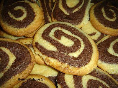 Betty's Cuisine: Τραγανά δίχρωμα μπισκότα