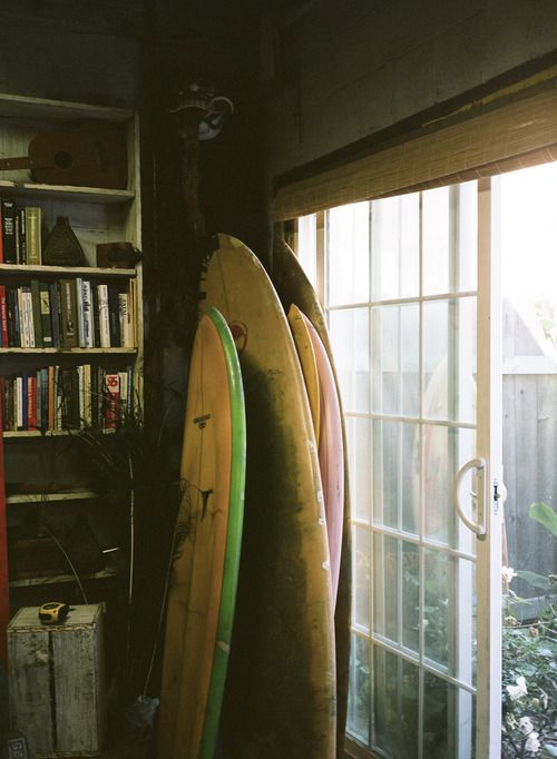 Keep your board in the shade when storing it, not direct sunlight! This will prevent it from being exposed to extreme temperatures!