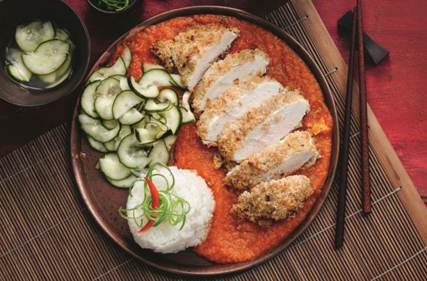 Slimming World's Chicken Katsu Curry is one of their most popular recipes ever thanks to the deliciously savoury sauce and simple method. Japan's best-known contribution to the world of curry features irresistible slices of chicken coated in crunchy breadcrumbs and a very more-ish mildly curried sauce.