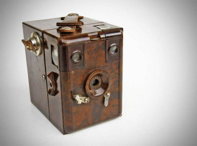 Merit Box Camera (Bakelite) | ©1933 - Merit Box Camera made by Merten (Germany)