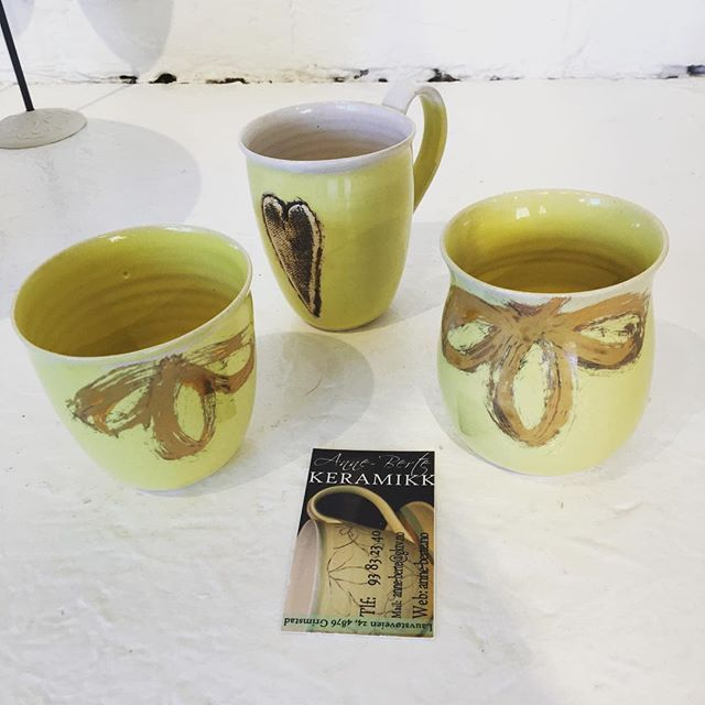 Ceramics by Anne-Berte Hetland ----------------------------------- #keramikkrus #art #kunst #neogalleri #kunstgalleri #boligpluss #artgallery #cups #ceramics #ceramic #artists #arts #kunsthåndtverk #kopper #keramiker  #krus #norskdesign #keramikk #artwork #bonytt #bobedre #handmade #interiørmagasinet #clay #ceramiccups