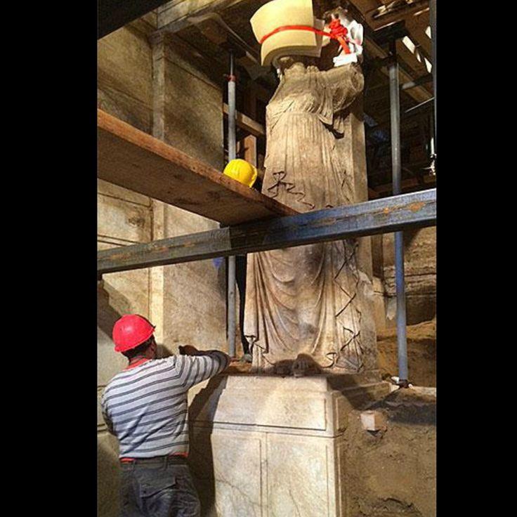 WHBC-GR: Αμφίπολη | Οι Καρυάτιδες αποκαλύπτονται ολόκληρες