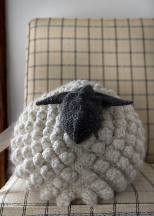 Bobble Sheep Pillow in Gentle Giant | knitting pattern
