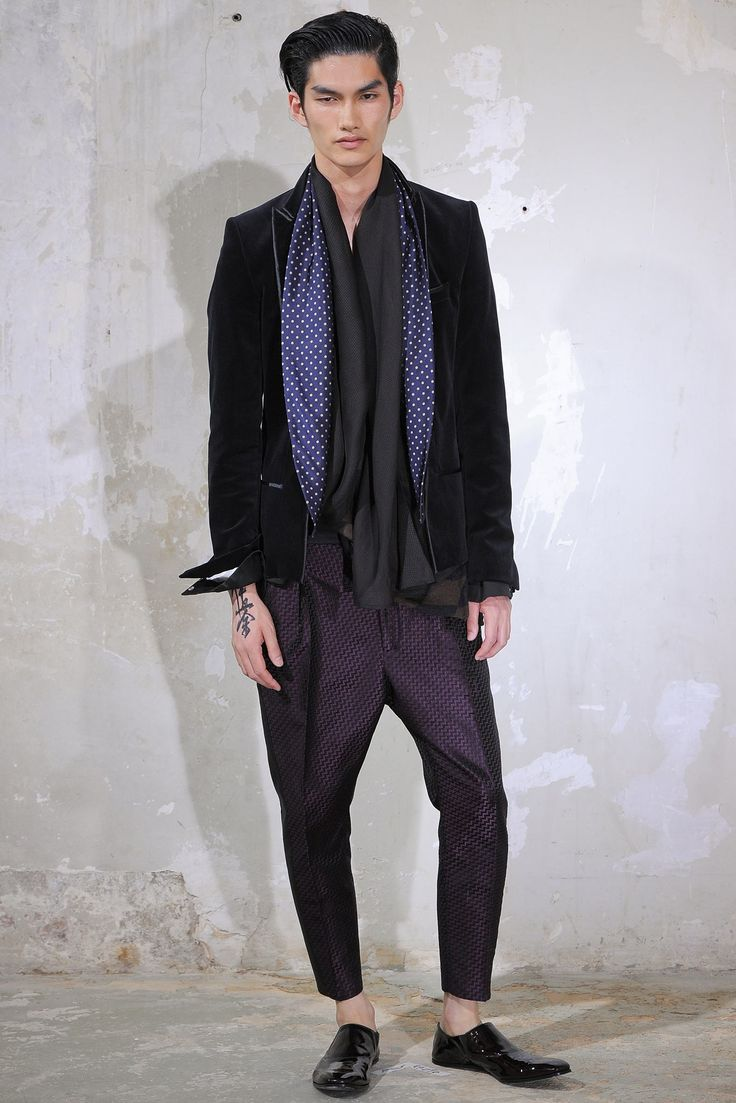 See the complete Haider Ackermann Spring 2014 Menswear collection.