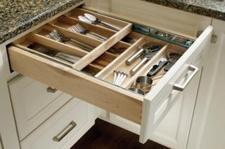 Medallion Cabinets | Tableware