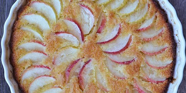 Nem æblekage i ovn
