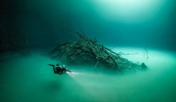 British+Diver+Finds+Bizarre+Underwater+Lake+Hidden+In+A+Cave
