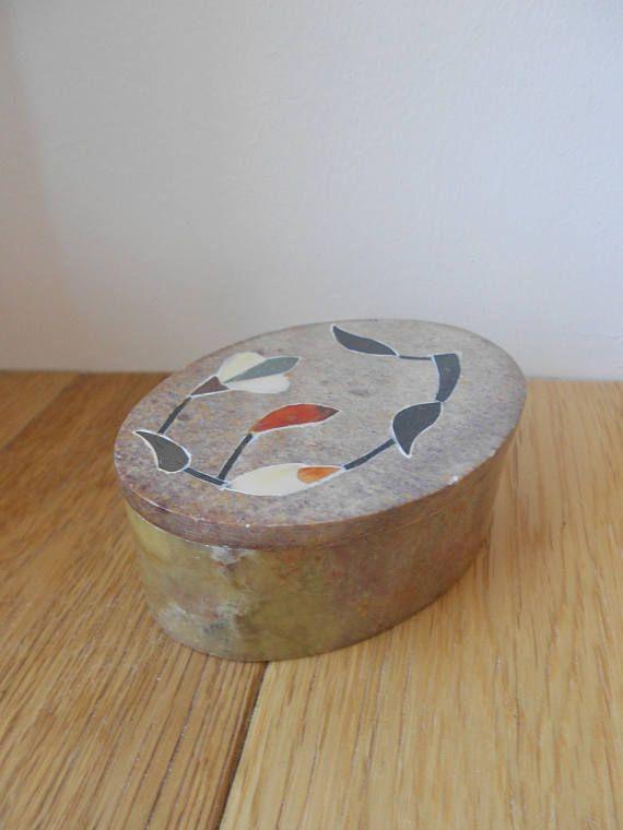 Vintage boite pierre a savon années 60 decoration maison ancien incrustée nacre couvercle antique decor rangement stéatite coffret bijoux