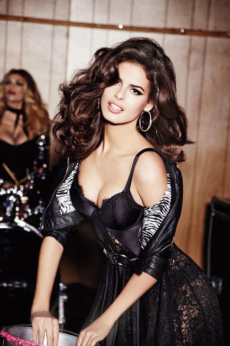 guess 2014 fall winter campaign1 Nashville Babes! Gigi Hadid, Samantha Hoopes + More Star in Guess' Fall 2014 Ads