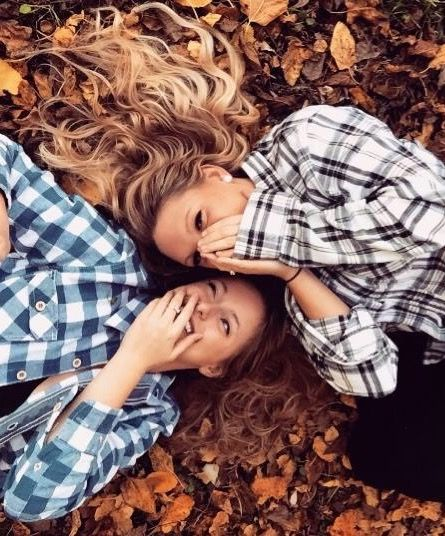 Best friend fall photoshoot