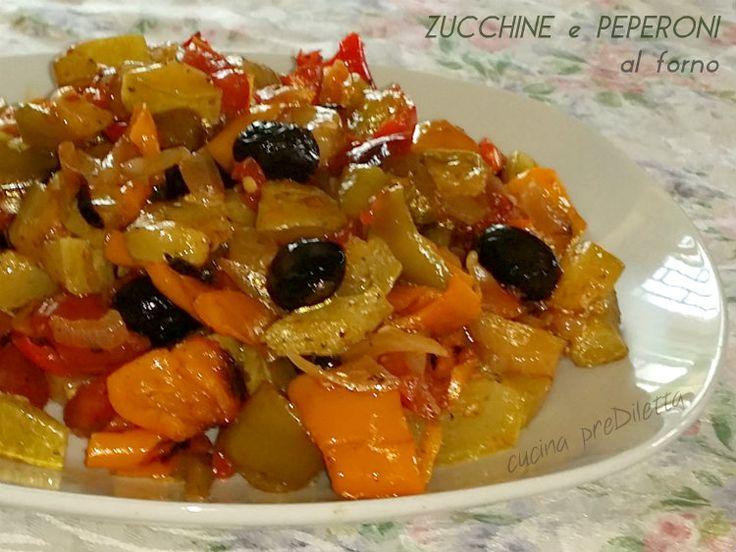 Zucchine e peperoni al forno, un contorno con tutti i colori dell' estate. Sembra strano che a metà ottobre si parli ancora d' estate, ma qui da noi il.....