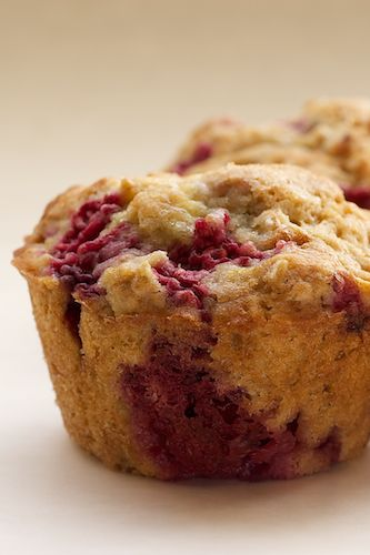 Bake or Break | Raspberry Oat Muffins - would like to try these with a touch of vanilla thrown in, maybe as a drizzle or streusel