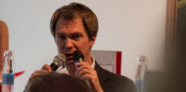 CASE: Senja opettaa sinulle ruotsia -kirjan lehdistötilaisuus – Google+ Hangout On Air: Jaana Nyström, Gplussa