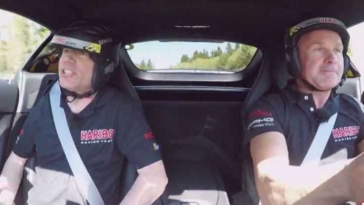 """""""Gibt's hier eine 30er Zone?"""": Michael Bully Herbig wird auf dem Nürburgring angst und bange"""