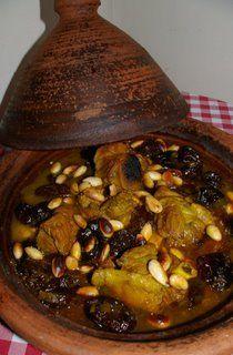 Tajine d'agneau aux amandes et aux pruneaux ( cuisine marocaine )