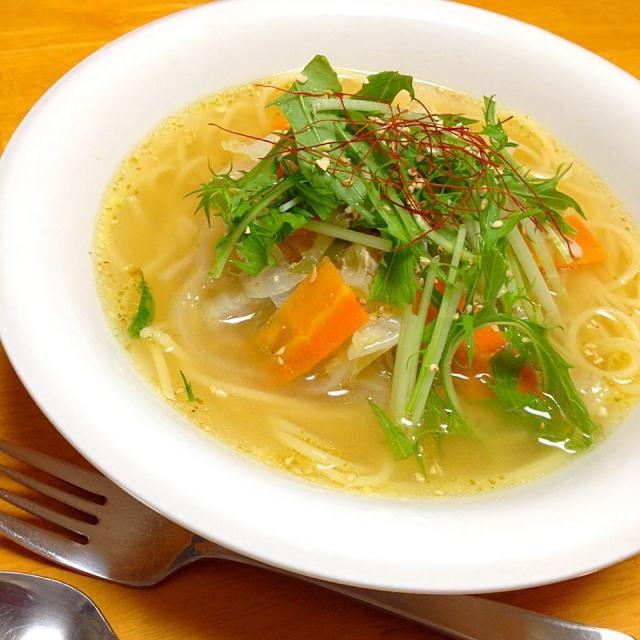 夫婦揃って風邪引きなので身体の中から温める白菜と生姜たっぷりのスープパスタに - 20件のもぐもぐ - ツナと白菜の柚子胡椒生姜たっぷりスープスパゲティ by fighterscurry