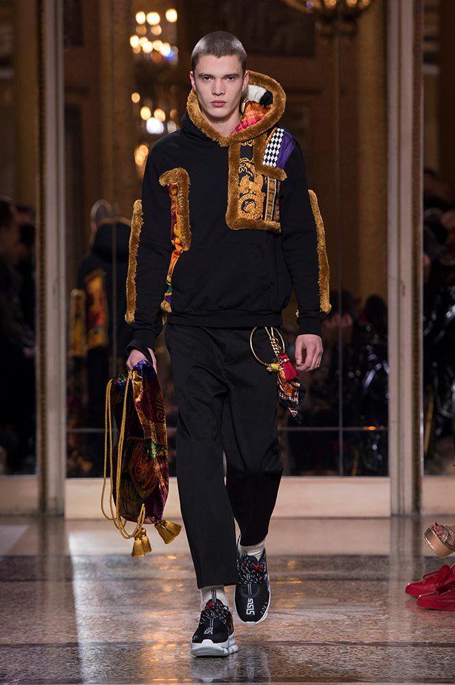 Versace Menswear Fashion Show Autumn Winter Uk Official Website