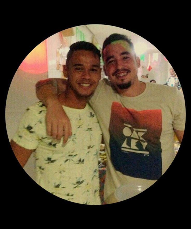 Meu mano... Parabéns irmão, felicidades e tudo de melhor na sua vida!! Tamo junto mano.. Te amo Meu Irmão @loisandrade_ 💎 👊😉   #parabens #felicidades #felizaniversario #teamo #niver #happybirthday #boanoite #bomdia #irmao #vida
