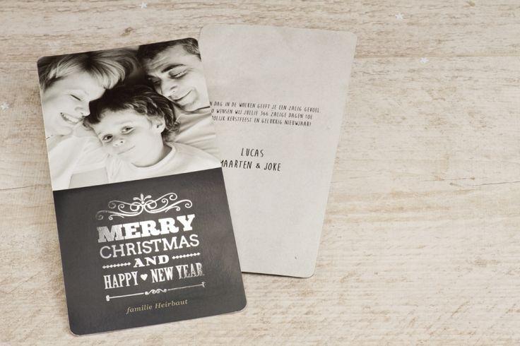 Chique en eigentijds met deze mooie fotokaart, de wensen worden gedrukt in zilverfolie voor een extra feestelijke uitstraling   Tadaaz #kerstkaart #bestewensen #folie #zilver #jouwfoto