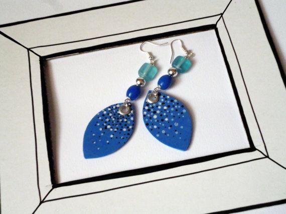 Orecchini pendenti gocce blu cobalto con puntini di mondejolie