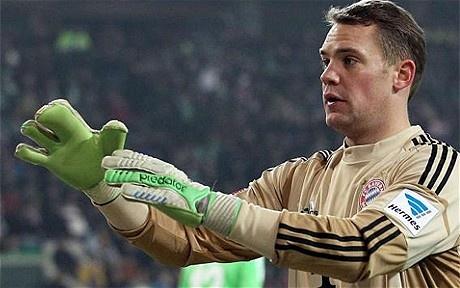 Bayern Munich 'keeper Manuel Neuer's three-fingered glove