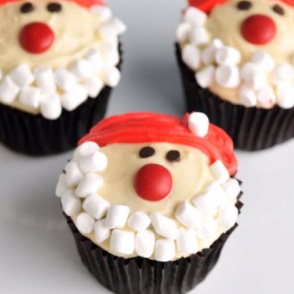 Φέρε τα Χριστούγεννα! Φτιάξε τα πιο νόστιμα... Santa cupcakes!