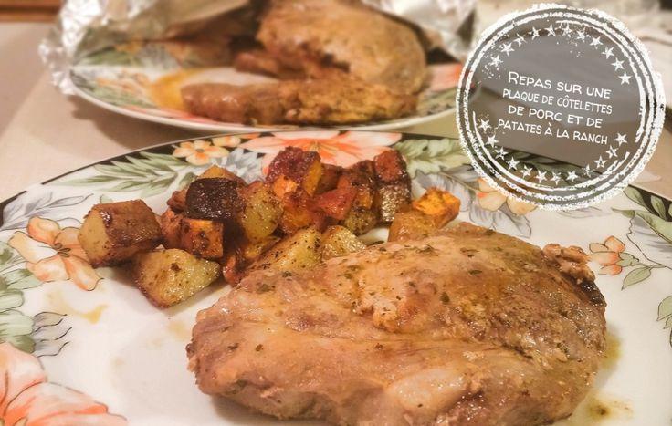 Repas sur une plaque de côtelettes de porc et de patates à la ranch
