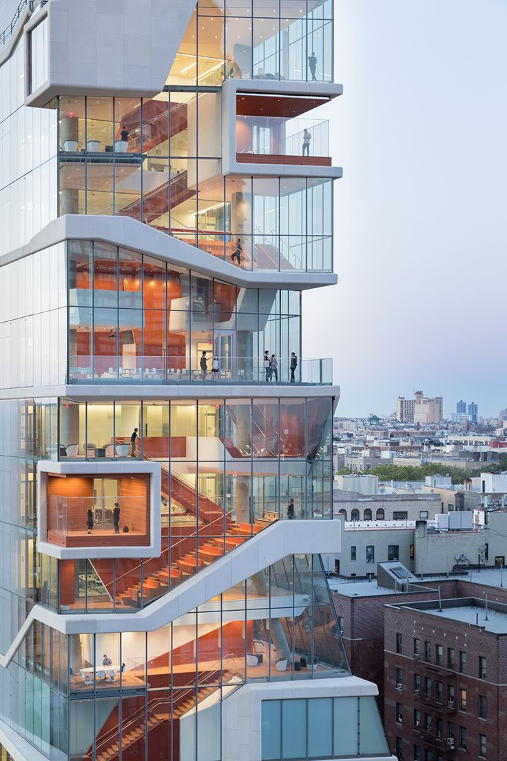 vagelos education center by diller scofidio + renfro, new york. An important part of DS+R's design is the 'study cascade', a network of spaces distributed across oversized landings along an open 14-story stair.
