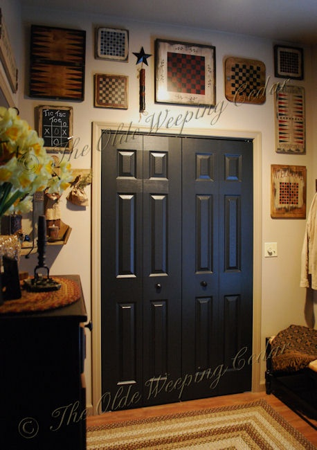 Black doors. Primitive ... & 14 best Foyer images on Pinterest | Country primitive Entryway and ...