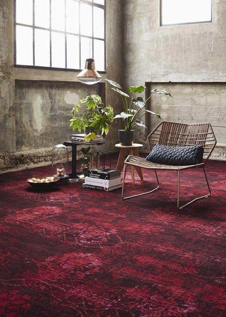 #Vintage #tapijt in diepe warme toon-op-toon kleuren.