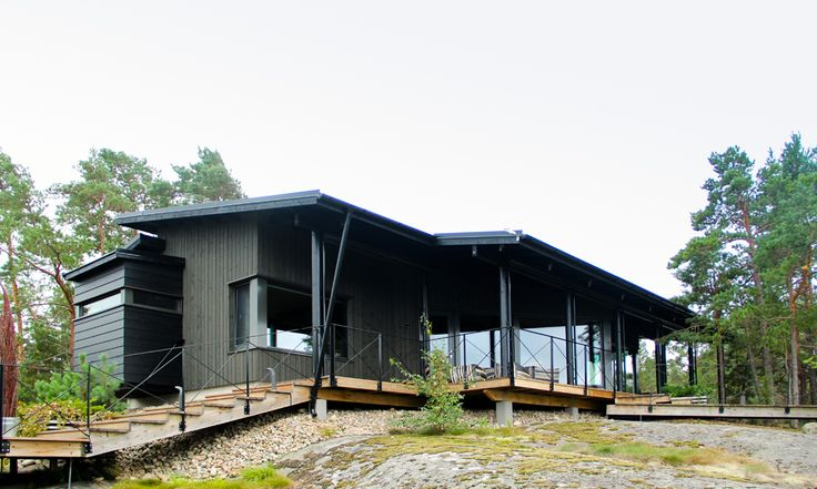 2013 Winner of the 'most beautiful home in Finland' competition by MTV3 tv channel.  Love the simplicity of this design.