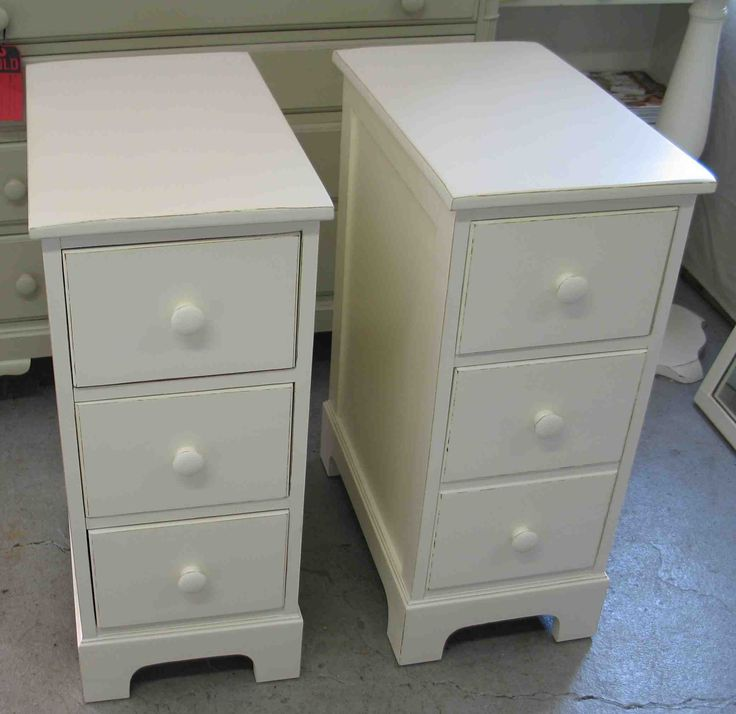 Sweet White Wooden Polished Pair Of Three Drawers Bedside Table With Wooden  Knob As Craftsman Made
