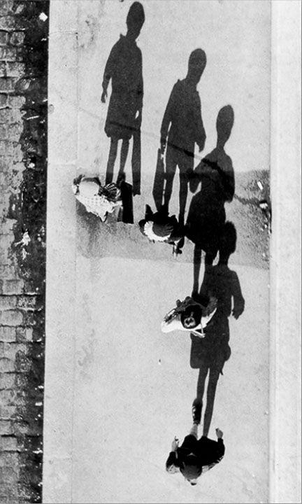 Photo by André Kertesz    #photography #kertesz #legend