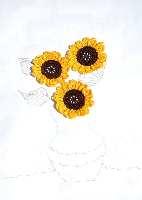 Crochet Flower Applique sunflower by manufattofattoamano on Etsy, €3.00