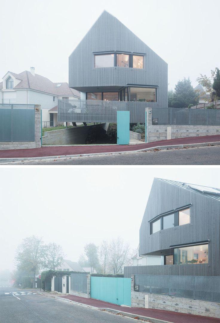 Архитектура фирма Karawitz спроектировали этот современный угловой дом на обрамленной деревьями улице в небольшой общине недалеко от Парижа, Франция.