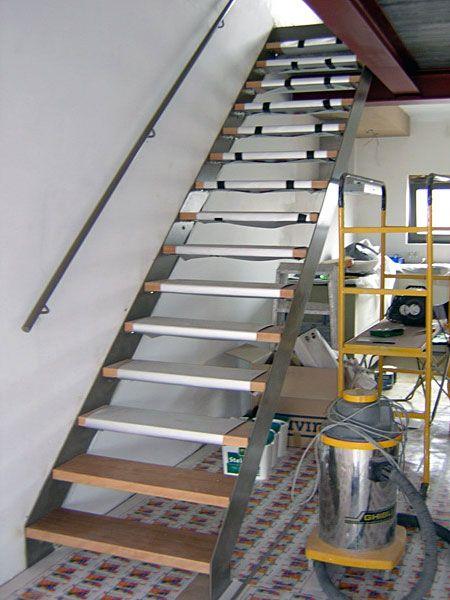 25 beste idee n over metalen trap op pinterest trap ontwerp trappenhuis ontwerp en trappen On metalen trapontwerp