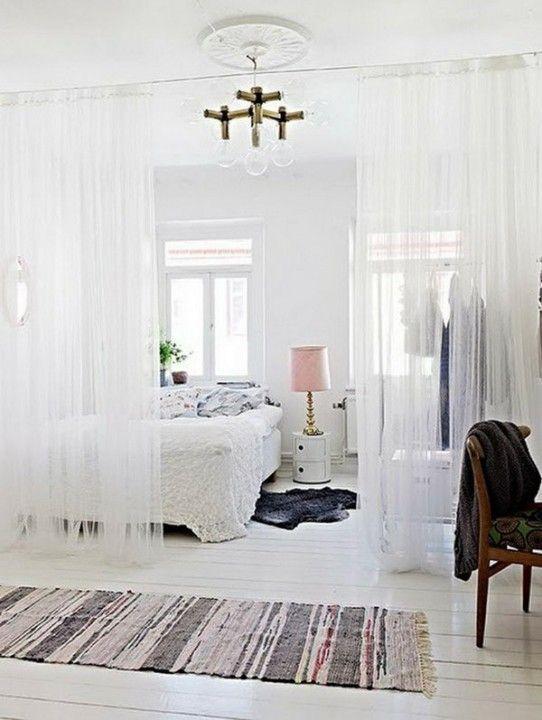 Фотография: Спальня в стиле Скандинавский, Декор интерьера, Мебель и свет, как разделить комнату на части, зонирование комнат, зонирование гостиной, зонирование на спальню и гостиную, функциональное зонирование, зонирование шторами, разделение на зоны, зонирование комнаты – фото на InMyRoom.ru