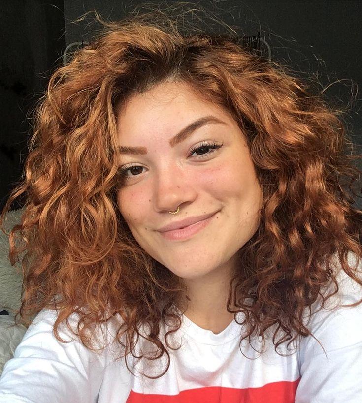 40 fotos de cabelo médio repicado para inspirar sua mudança de visual | Cabelo repicado medio, Cabelo cacheado repicado, Cabelo
