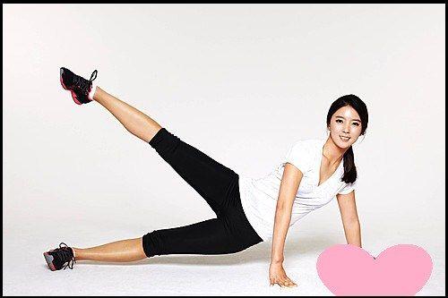 日本ではあまり有名ではありませんが、韓国では8頭身の美人女子プロゴルファーとして大人気なのが、ユン・チェヨン選手。 このユン・チェヨン選手は元祖美人ゴルファーと言われ、韓国では広報モデルも行っており、非常に人気があります。