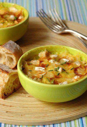 Recette de clafoutis de poireaux au camembert : une recette cheap et super bonne, à faire rapidement.