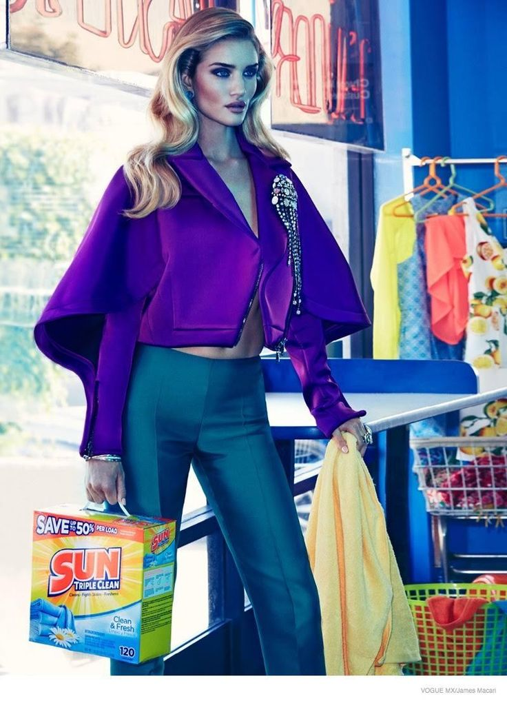 Rosie's Luxe Looks–Following up her super glam cover, Rosie Huntington-Whiteley shows off how she gets her laundry done in a fierce shoot taken for Vogue Mexico's November issue. The British model looks as luxe as ever as she poses in a laundromat for the lens of James Macari. Fashion editor Sarah Gore Reeves styles the …