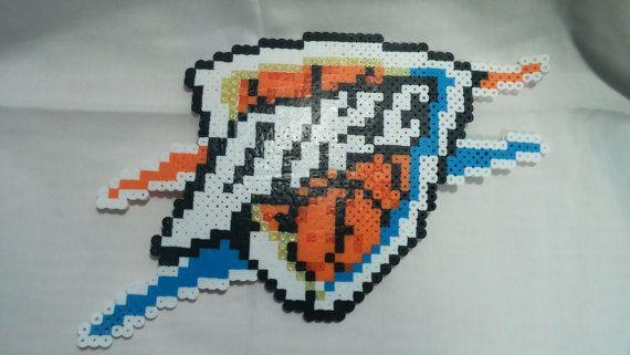 Oklahoma baloncesto equipo  Oklahoma City Thunder por CubesPixalArt